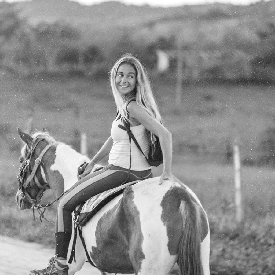 jemma-retreat-vikara-horse-ridding