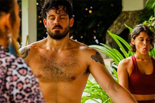 vikara-ecuador-yoga-surf-retreats-wellbeing-transformation-plant-medicine-meditation